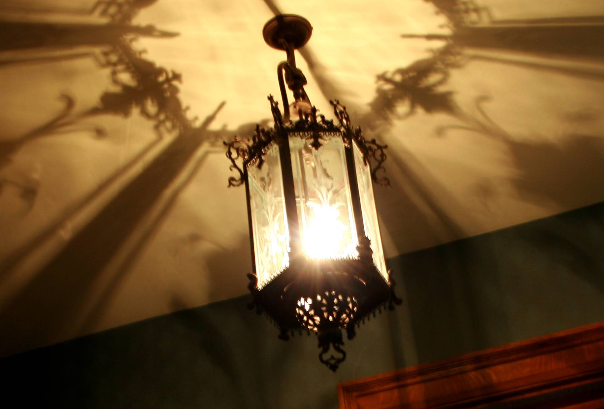 Flynn light fixture & A Light In the Country; The Science of Flynn Part I: Gas Lights