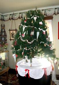 decorated tree at tangen home