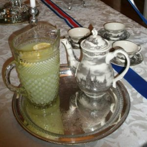 lemonade and tea served at flynn mansion