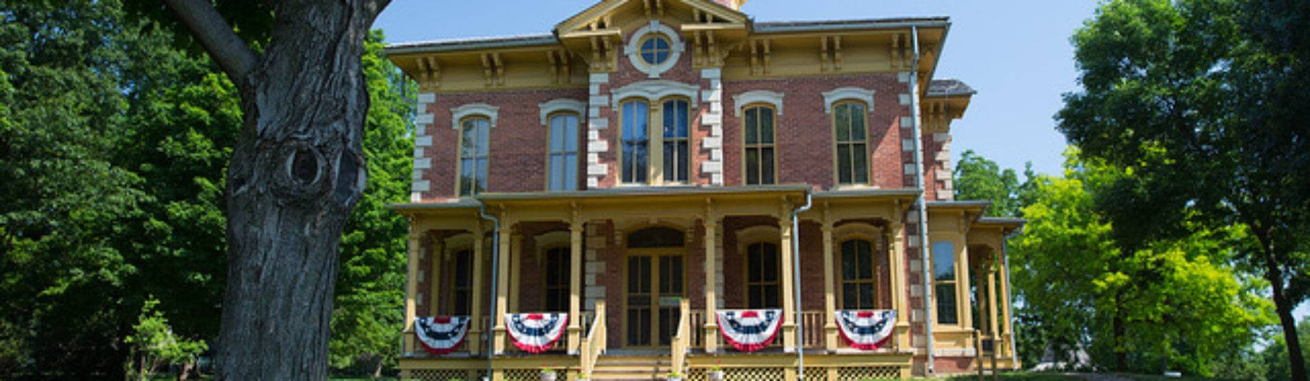 Flynn Mansion decorated for independence day